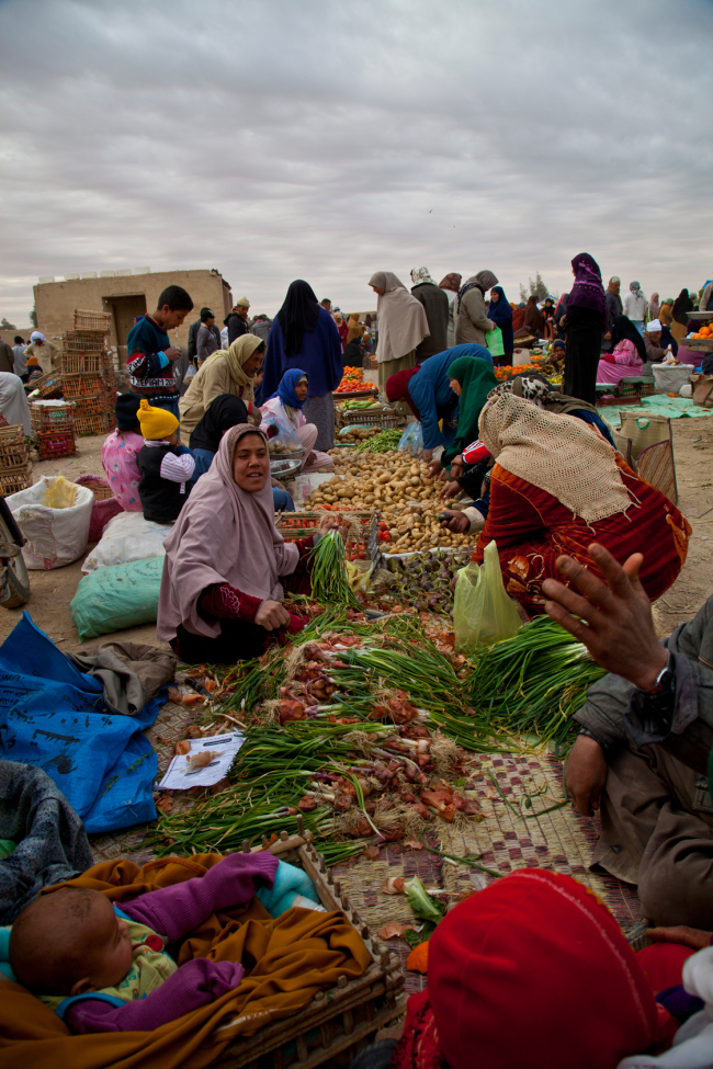 Web-the-bedouin-market-of-farafraall-rights-reserved-by-repertorium-films-2011by-leandro-sanchez-visuals
