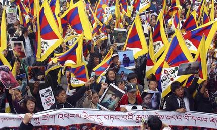 Tibetan-protest-in-dhasa-2013-ap